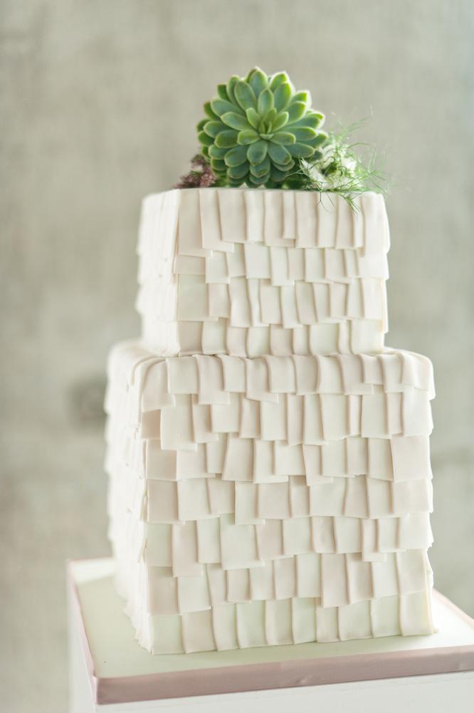 Architecture-Origami-Styled-Wedding-Shoot-Laban_022