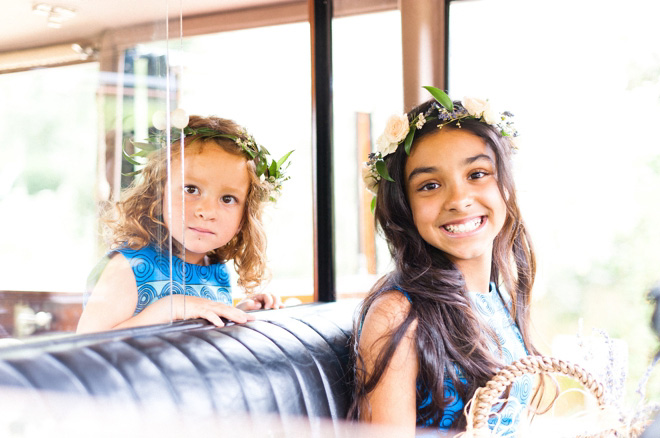flowergirls in flower crowns