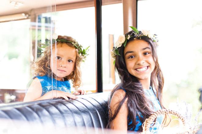 flowergirls in flower crowns