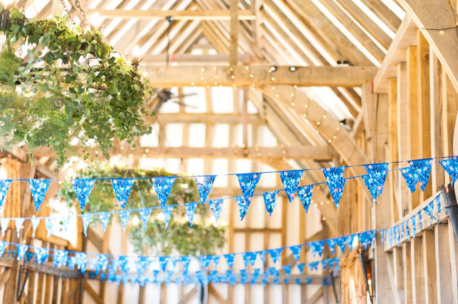 barn wedding photographer uk