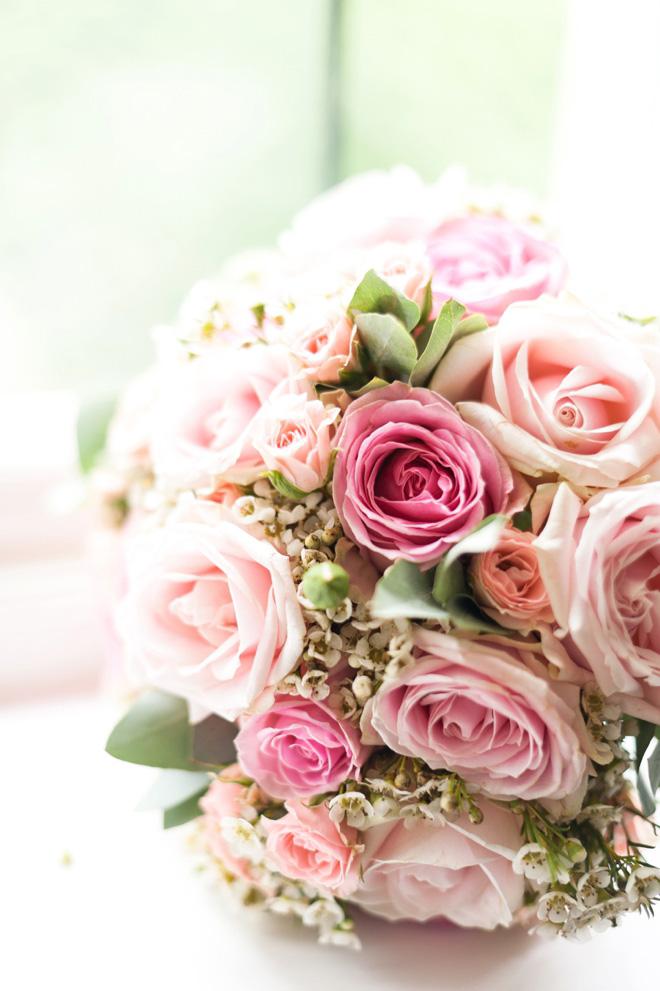 Sue Barton Wedding flowers by Anushe Low